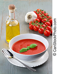 recipe of tomato soup - tomato soup and ingredients on...