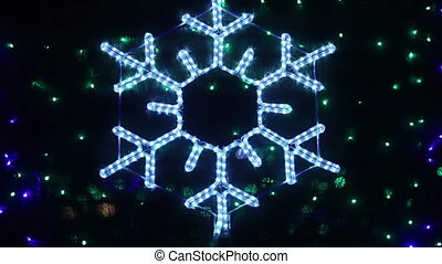 Snowflake bokeh - Flashing snowflake Rasfokus on the...