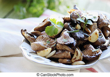 mushrooms with coriander - Fried mushrooms with garlic and...