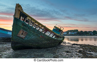 Old Boat - Old wreck on the shore