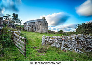 Bodmin Moor in Cornwall - Old abandoned cottage on Bodmin...