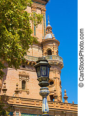 Details of the streetlights from the famous square of Spain in S