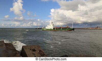 ship going into Baltic Sea wave Ven