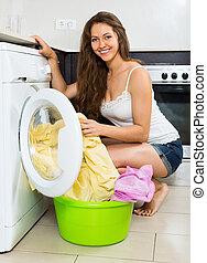 mulher, lavando, jovem, arruela, agradável, roupas
