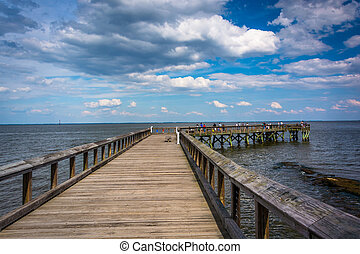 Pier in the Chesapeake Bay at Downs Park, in Pasadena,...
