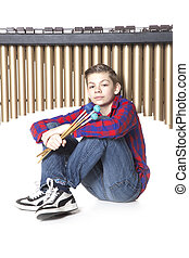 adolescente, Menino, senta-se, sob, Marimba, em, estúdio,