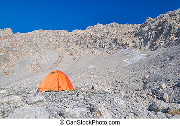 Kyrgyzstan - Camping in high altitudes in scenic mountains...