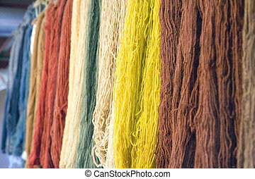 Dyed yarn - Dyed wool yarn for the turkish hand-made carpets