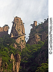 Spectacular rocks and peaks of Huang Shan Mountains and a...