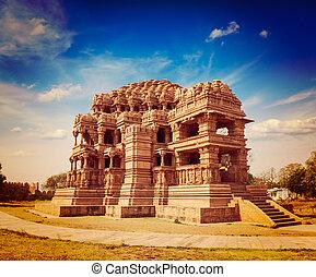 Sasbahu temple in Gwalior fort - Sasbahu Sas-Bshu ka mandir,...