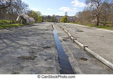 London-25-0061 - Drained lake in St James Park, London,...