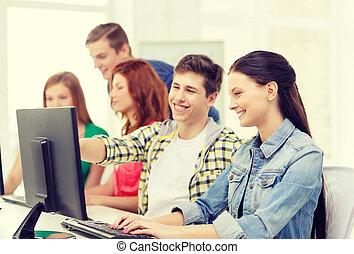 hembra, Estudiante, con, compañeros de clase, en,...