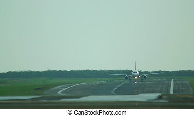 Before takeoff - Airplane dispersal before takeoff,...