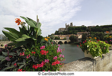 Beziers, panormaic view from bridge - Beziers Languedoc -...