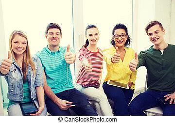 estudantes, com, tabuleta, PC, computadores, em, escola,