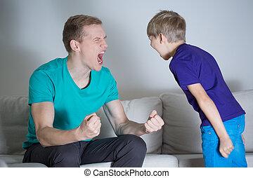 papá, Gritar, en, el suyo, hijo,