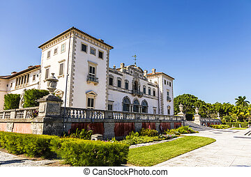 Vizcaya, Floridas grandest residence under blue sky -...