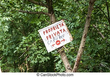 Sign private property in Italy