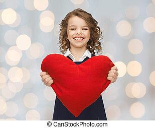sonriente, poco, niña, con, rojo, corazón,