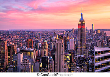New York City Midtown with Empire State Building at Amazing...
