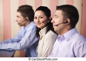 Nice woman customer service and her team - Focus on nice...