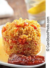 Bulgur pilaf with pepper and sun-dried tomatoes