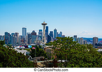 Seattle Washington - Seattle skyline with Mount Rainier in...