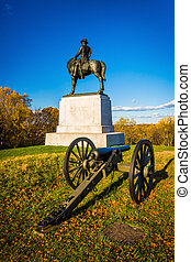 Cannon and statue in Gettysburg, Pennsylvania.