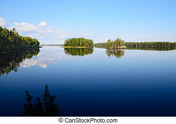 Morning silence. Lake Engozero, North Karelia, Russia -...