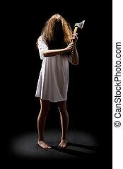 蛇神, 女孩, 斧子