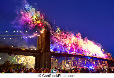 July 4th 2014 fireworks Brooklyn bridge Manhattan - July 4th...