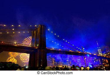 July 4th 2014 fireworks Brooklyn bridge Manhattan - July 4th...