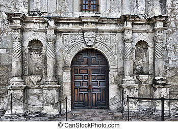 Alamo in San Antonio - Front entrance to the famous Alamo in...