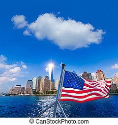 Manhattan skyline New York American Flag - Manhattan skyline...