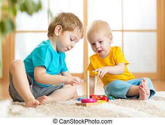 meninos,  playroom, crianças, brinquedos
