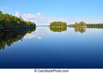 Morning stillness. Lake Engozero, North Karelia, Russia -...