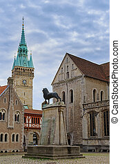 Square near Braunschweig cathedral with lion statue - Square...