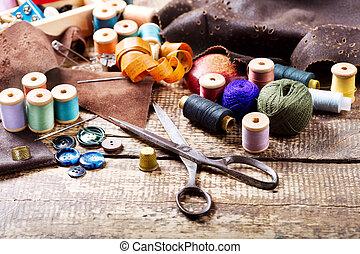 viejo, tijeras, vario, Hilos, y, Costura, herramientas,