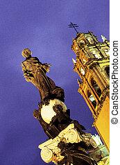 Statue- Guanajuato, Mexico - Statue on the Plaza de la Paz...