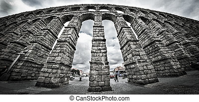 Old Roman aqueduct at Segovia. - The old Roman Aqueduct in...