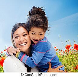 Feliz, mãe, e, filha, Abraçando,