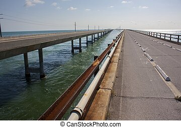 Old and new bridges in the Florida Keys, Florida