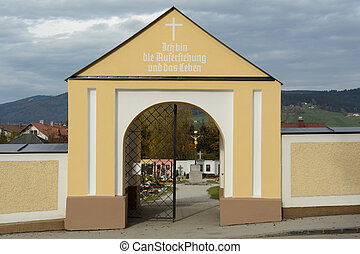 Entrance to the cemetery - Blick durch einen Friedhofeingang...