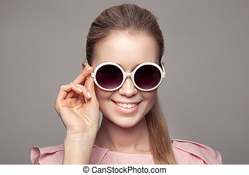 Fashion Woman With Sunglasses.