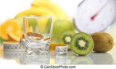 kiwi juice poured glass, diet food - kiwi juice poured in...