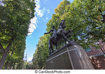 Boston Paul Revere Statue - Paul Revere Monument found in...