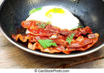 tocino, y, huevos, en, Un, freír, pan, ,