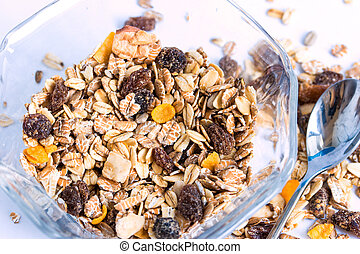granola, cereal, con, pasas, y, nueces,
