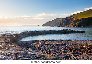 Portwrinkle Old Harbour - The delapidated historic harbour...