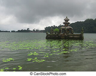 Bedugul - The water temple at Bedugul